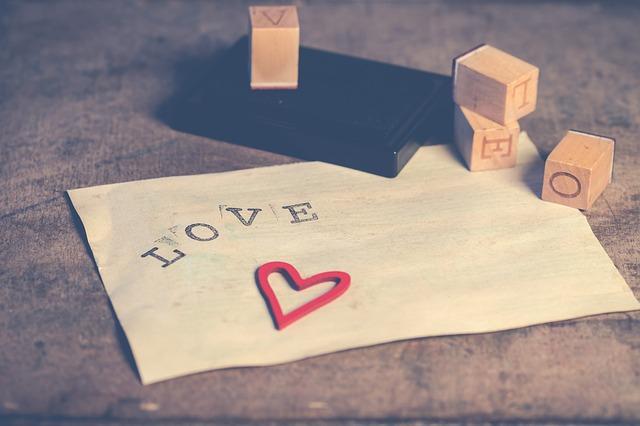 Cara Menyatakan Cinta Ke Cewek Supaya Diterima